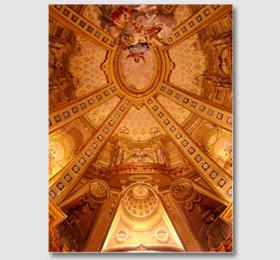 Decori a trompe l´oeil della cupola elicoidale del Santuario di Sommariva del Bosco